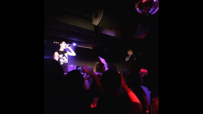 [Fancam cut] 180418 Rockbottom (Kidoh) 2018 Live in Europe in Paris - cr. @ckjpopnews (ig)