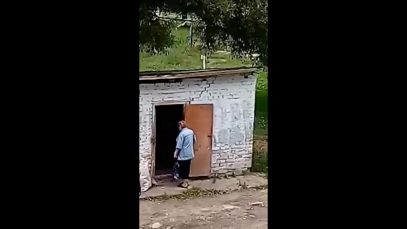 П'яна Калуська прибиральниця