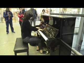 Playing Toxicity on Elton John's piano at St. Pancras Station - London.mp4