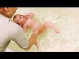 Плавание с малышом в ванне