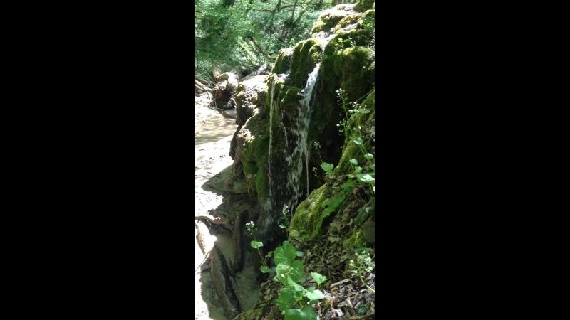 Ещё один травертиновый водопад