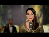 Monica Bellucci canta Can't Help Falling In Love