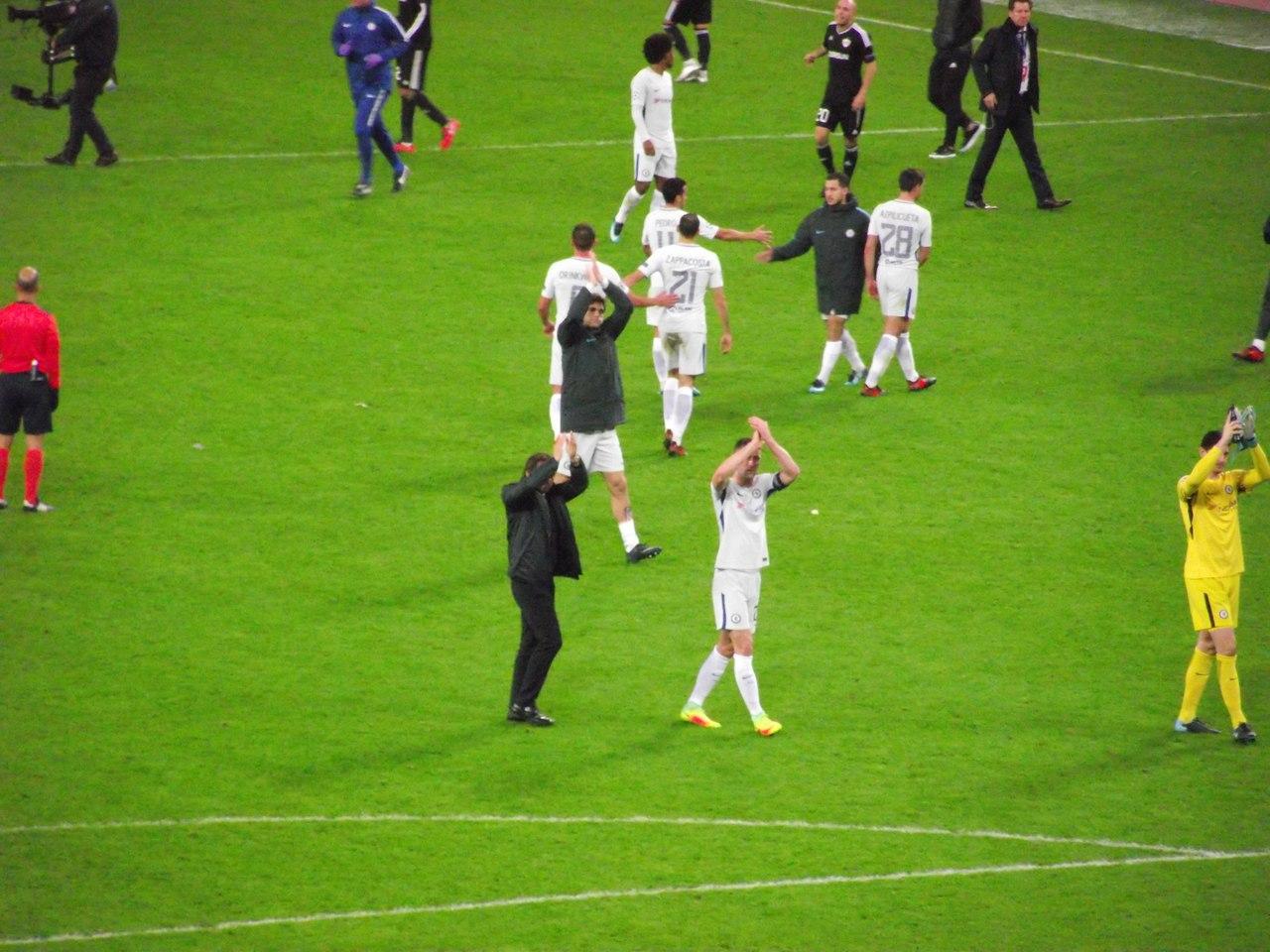 Конте и игроки благодарят своих фанатов.