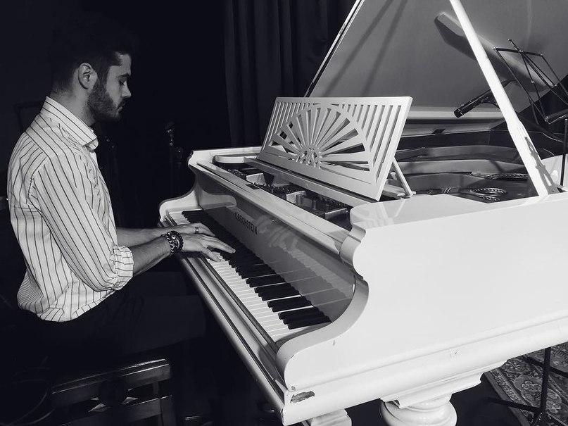 Антон Климик: Music in me #piano #blackandwhite