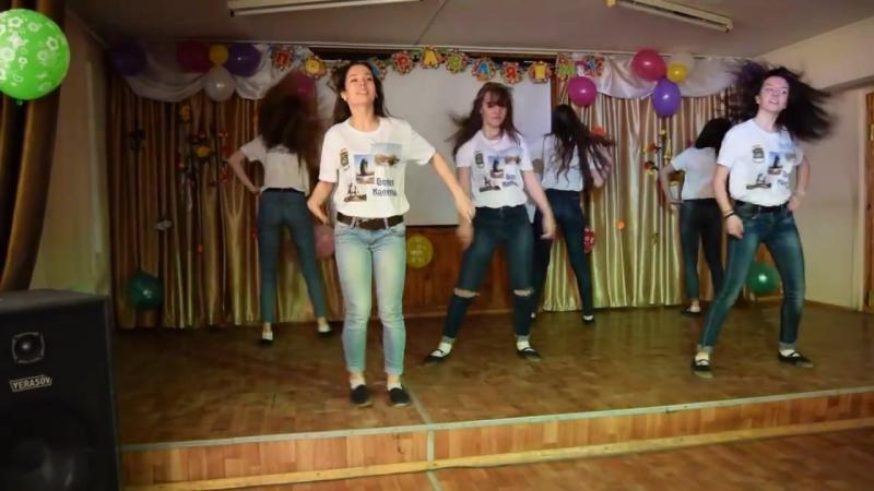 Танец девочек на 8 марта