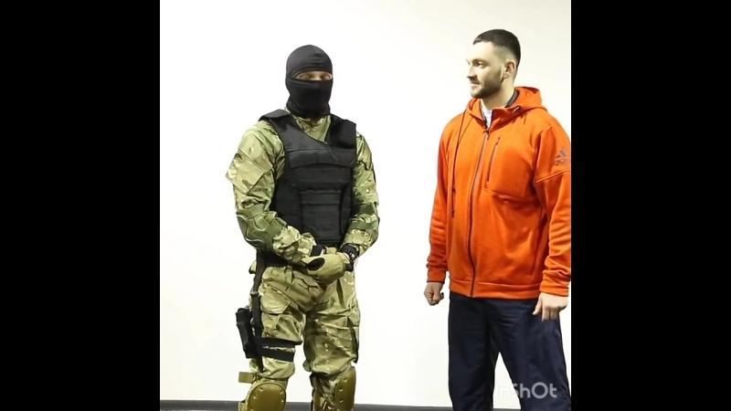 Как победить в драке если, ты слабее-советы инструктора спецназа