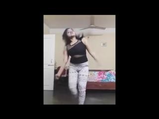 Whatsapp super hot indian girl dance clips