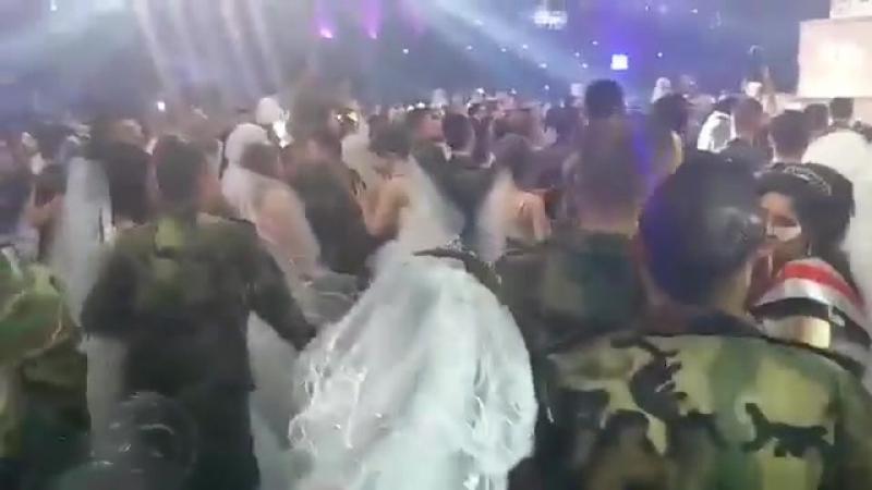 массовая свадьба в Латакии. Военнослужащие и их избранницы.