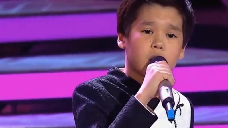 Мальчик из Казахстана= НУР МУХАМЕД \\ песня== МАМА.......