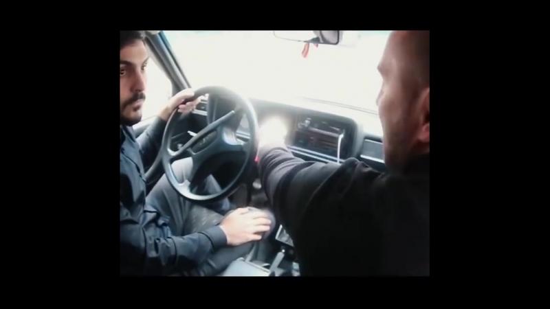 Каха и таксист.mp4