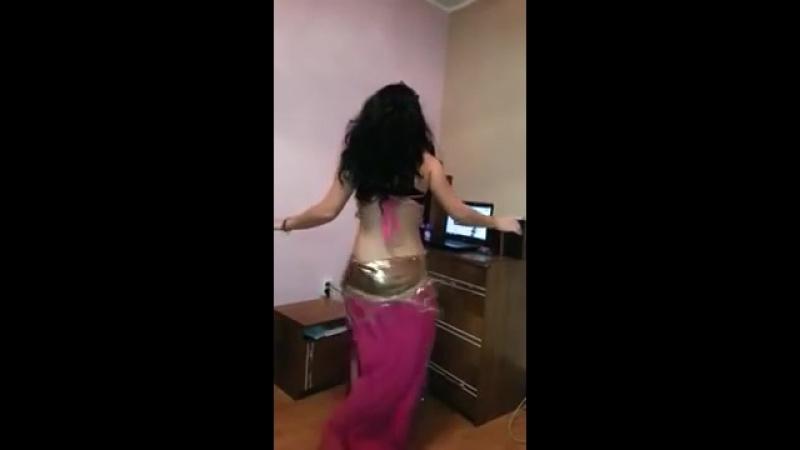 Miha zanika cea mai tare dansatoare Colegialas virales Online