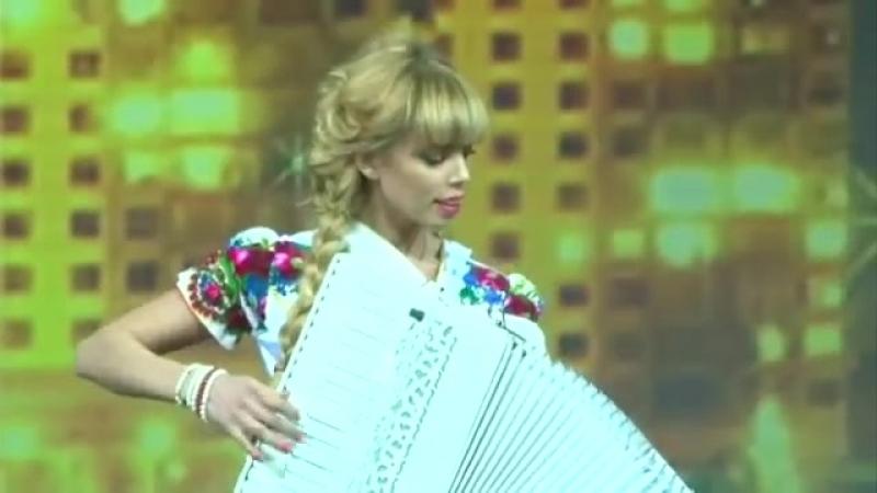 Самые красивые аккордеонистки России-дуэтЛюбАняДОРОГОЙ ДЛИННОЮ [accordion,harmon