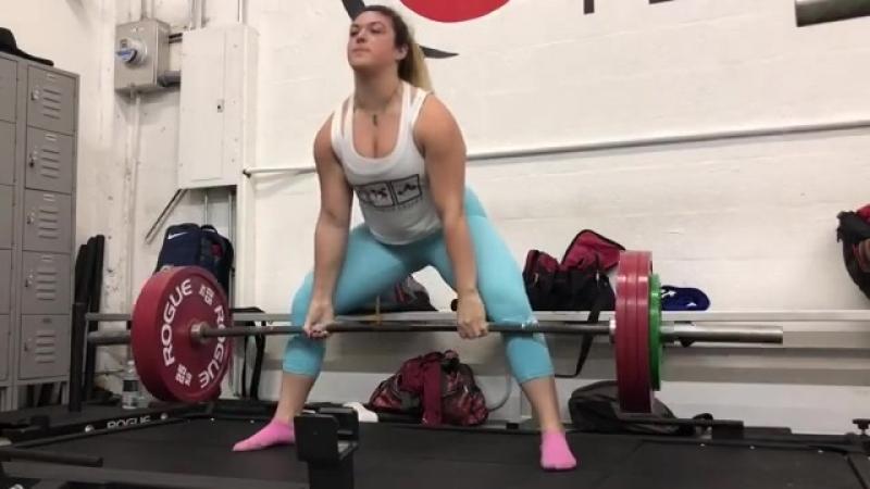 Даниелла Мело - тяга 190 кг на 5