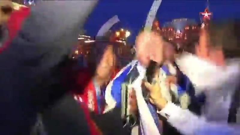 Корреспондент «Звезды» надрывает глотку вместе с болельщиками