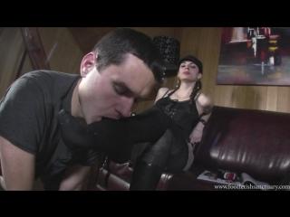 Miss sonia boot fetish foot fetish фут-фетиш femdom раб вылизывает сапоги slave licking boots feet #sniff #heels