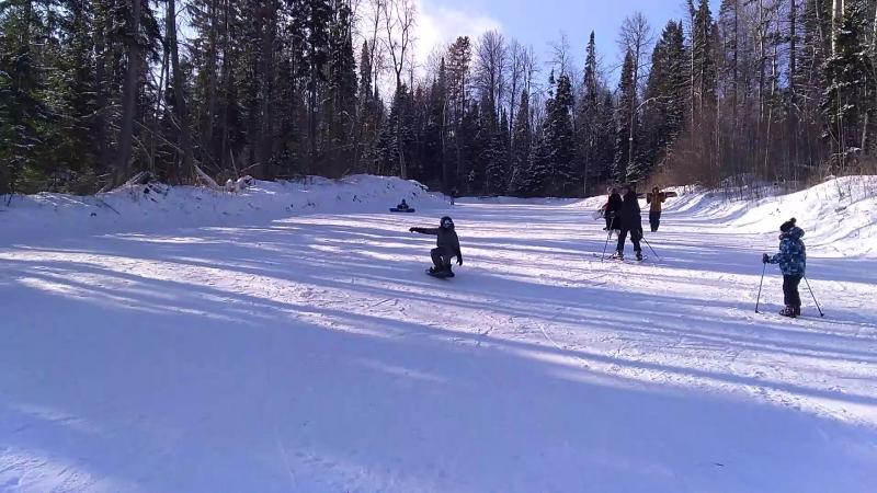 Петя освоил сноуборд