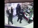 Иранская полиция во время уличных протестов