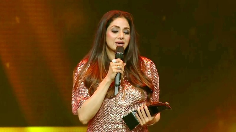 India's only female superstar Sridevi's last award as Style Legend Award at HT Fashion Awards 2018