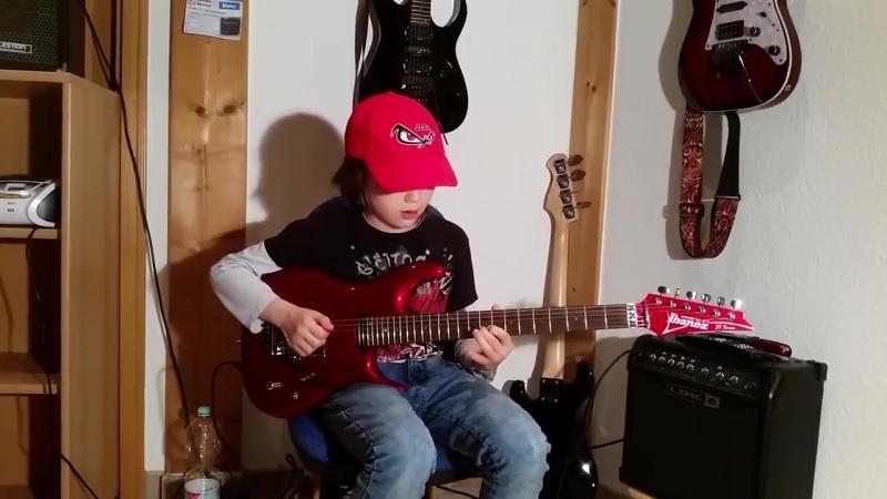 """Dustin Tomsen 12 years old covers Gary Moore """"Parisienne Walkways"""""""