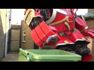 Парень построил 3-метровую модель брони hulkbuster с использованием деталей, купленных с ebay