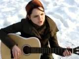 Анастасия на Сборах Славянского Союза поёт под гитару Автор песни - Кошка Сашка (Саша Павлова)