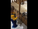 Кормим кролика