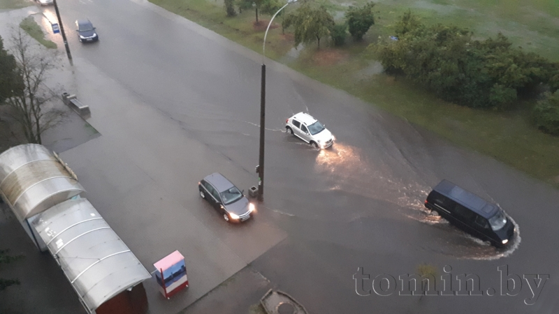 Ливень в Бресте затопил Орловскую