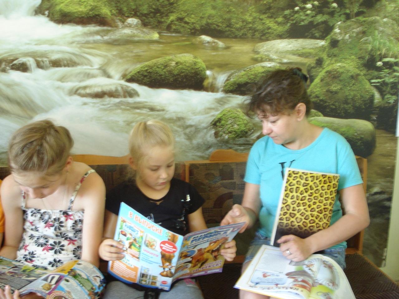 Донецкая республиканская библиотека для детей, отдел обслуживания учащихся 5-9 классов, день экологии, мир животных и птиц