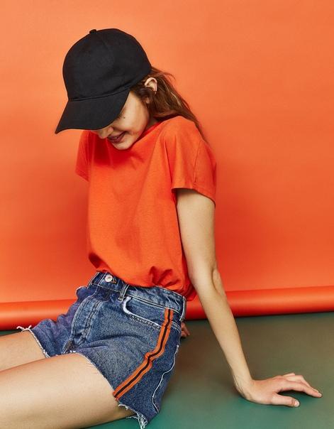 Джинсовые шорты mom fit с лампасами, в винтажном стиле