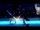 Зрелищный бой на световых мечах