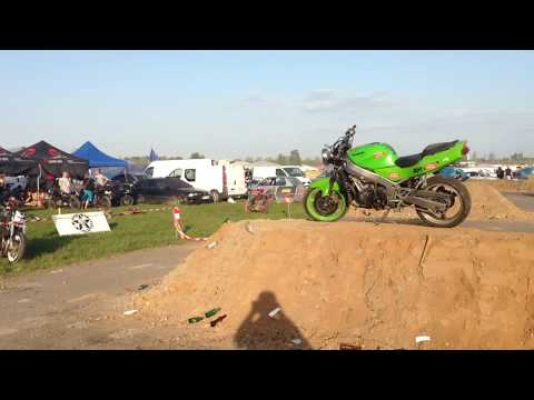 24H Du Mans Moto 2018 Camping Bleu Moto Ruptures Et Burns Video des motards