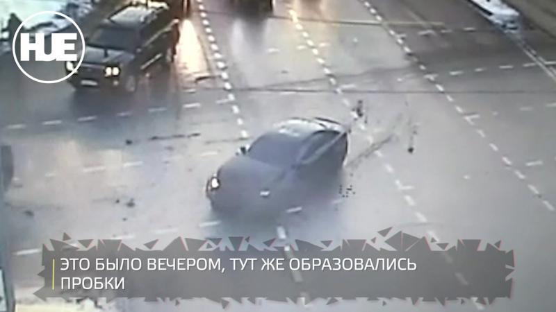 Серьезное ДТП произошло на Нахимовском проспекте: одна из машин улетела волчком