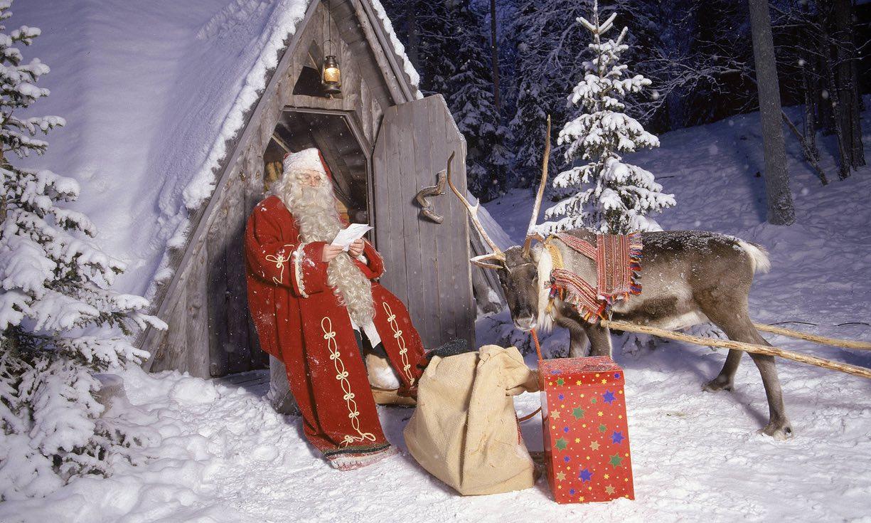 Деду Морозу и Санта Клаусу нужна помощь!