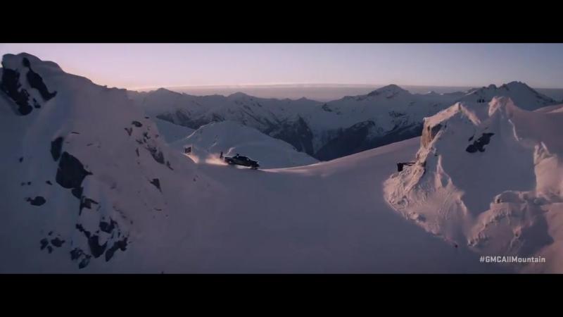 2018 GMC Sierra 2500HD All Mountain. Турбодизель V8 объем 6.6л, 445 лошадей. Парни видимо не знают кто такой Кен Блок!