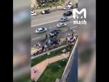 BMW наехала на пешеходный переход в Москве