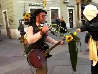 уличный чудо музыкант) Scott Dunbar