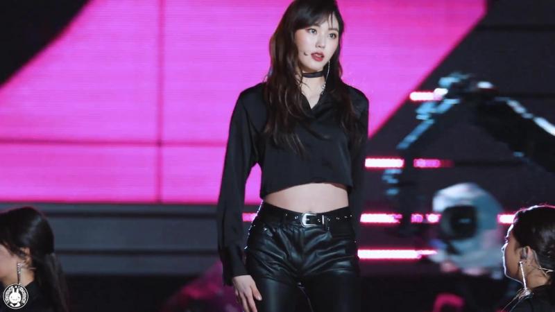 [4K] 180404 씨엘씨 권은빈 직캠 블랙드레스(BLACK DRESS) CLC Fancam @남다른 행복 콘서트 태화강둔치 By 벤뎅이