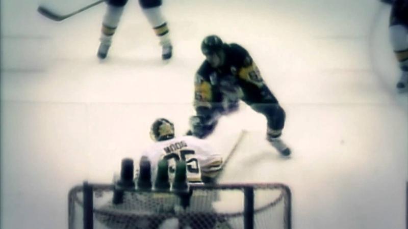 Stanley Cup Moments: Lemieux dekes out Bourque