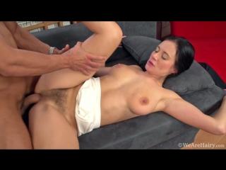 Enza. красивая, зрелая брюнетка с волосатой пиздой. мамка милфа шлюха шалава сиськи грудь минет трах секс куни порно
