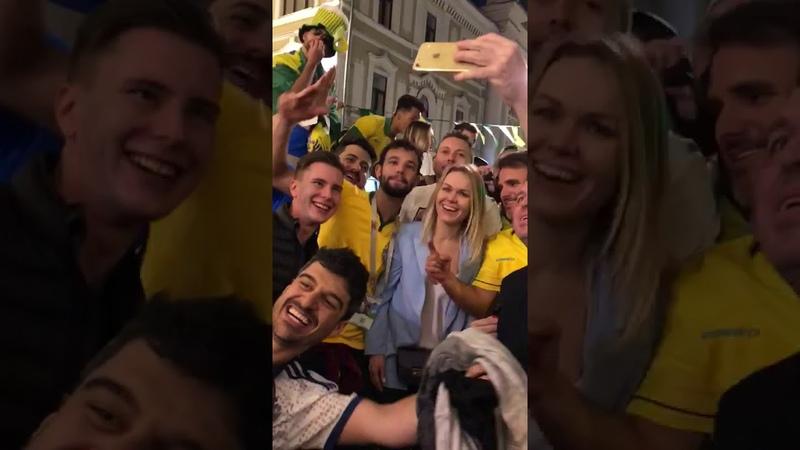Brasileiros FALTAM COM RESPEITO com torcedora russa na copa