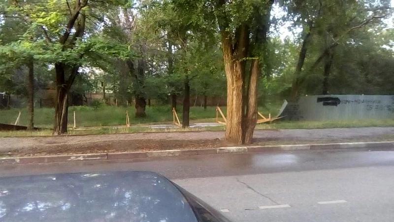 Забор в сквере 13 школы