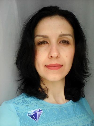 Елена Угнич