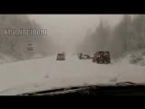Очень сложная дорога в Советскую Гавань, много снега и он продолжает идти