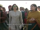 Актриса Шридеви и индийский политик Манека Ганди собирают средства для людей для животных
