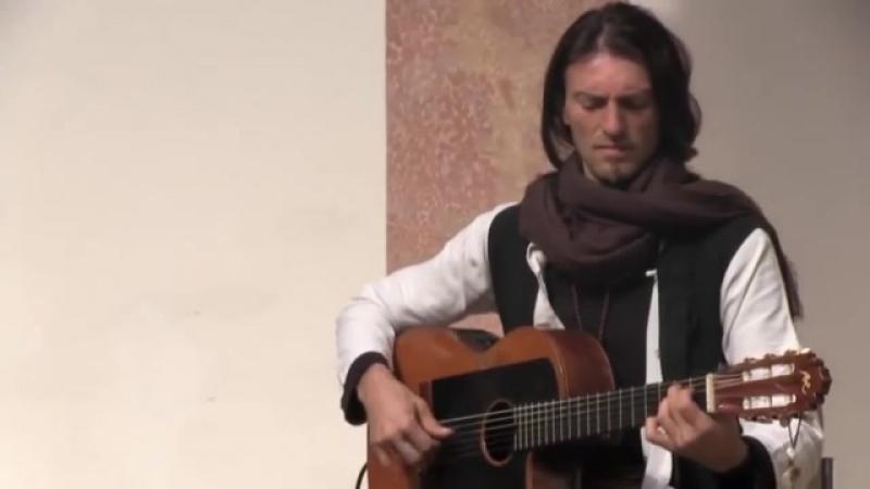 Гитарист от Бога. живая гитара. невероятная экспрессия акустики и души .супер