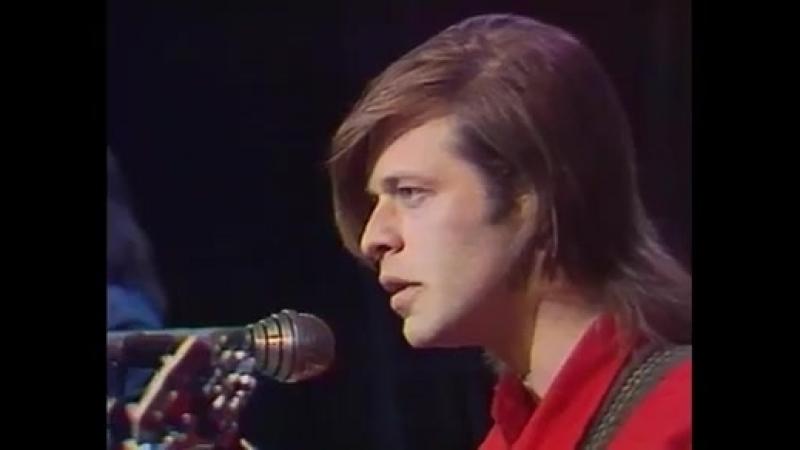 Под небом голубым есть город золотой... у микрофона Борис Гребенщиков и группа Аквариум (1987)