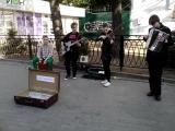 Ребята сыграли Цоя на скрипке, гитаре, аккордеоне и