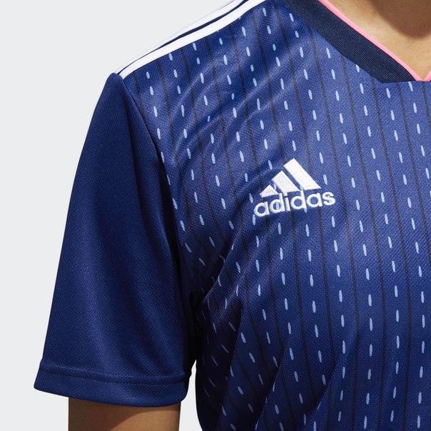 Домашняя игровая футболка сборной Японии