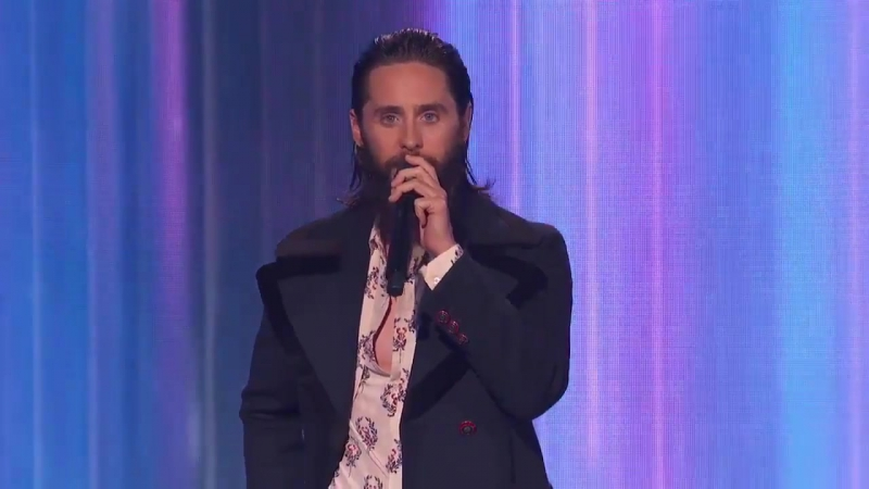 ↳ Jared Leto presenting the AMA's for Artist of the Year (19.11.2O17) ― JGBR