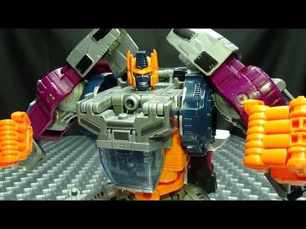 Power of the Primes Leader OPTIMAL OPTIMUS: EmGo's Transformers Reviews N' Stuff